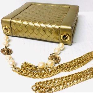 3/$50 VTG 90s Carlisle gold leather purse